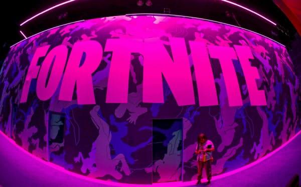 米エピックゲームズの人気ゲーム「フォートナイト」の看板=ロイター