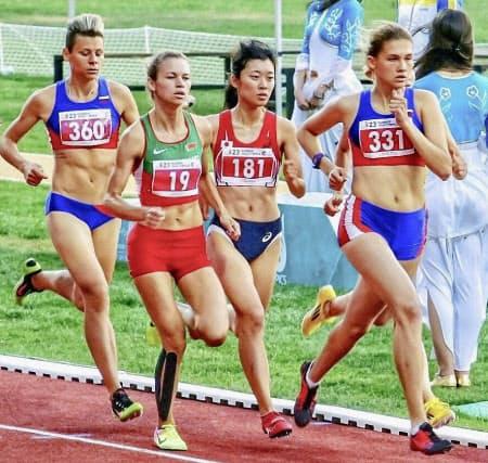 2017年デフリンピックの陸上女子800メートルに出場した岡田海緒(ゼッケン181番、トルコ・サムスン)=共同