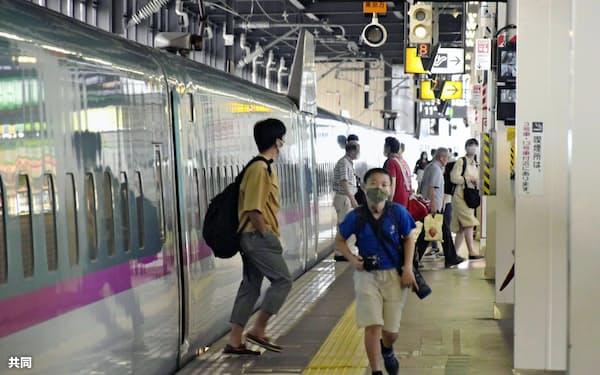 新幹線の利用は低調だった(お盆休み期間中の盛岡駅のホーム)