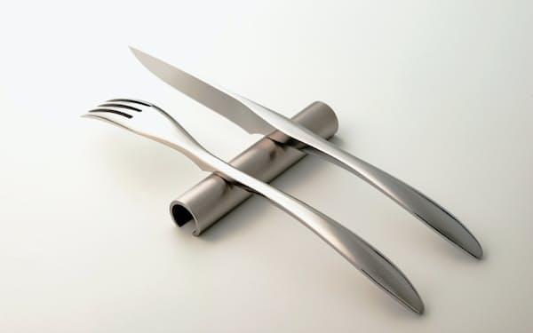 刃先から柄まで鍛造で作られている