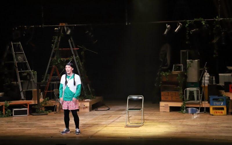 「DISTANCE ―TOUR―」で上演された清水宏のひとり芝居(5日、東京・下北沢)=和田咲子撮影