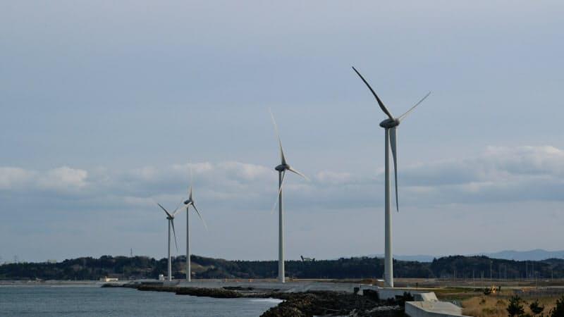 福島県では風力発電設備の建設が相次いでいる(南相馬市)=南相馬サステナジー提供