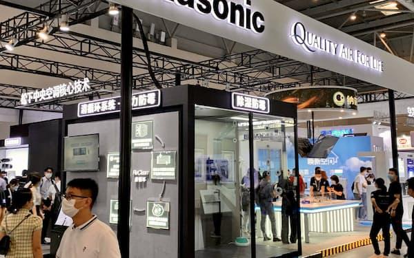 パナソニックは中国で空気清浄機事業を拡大を発表した(重慶市の展示会、19日))