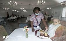 介護施設、感染予防急ぐ 海外「第1波」では死者の半数