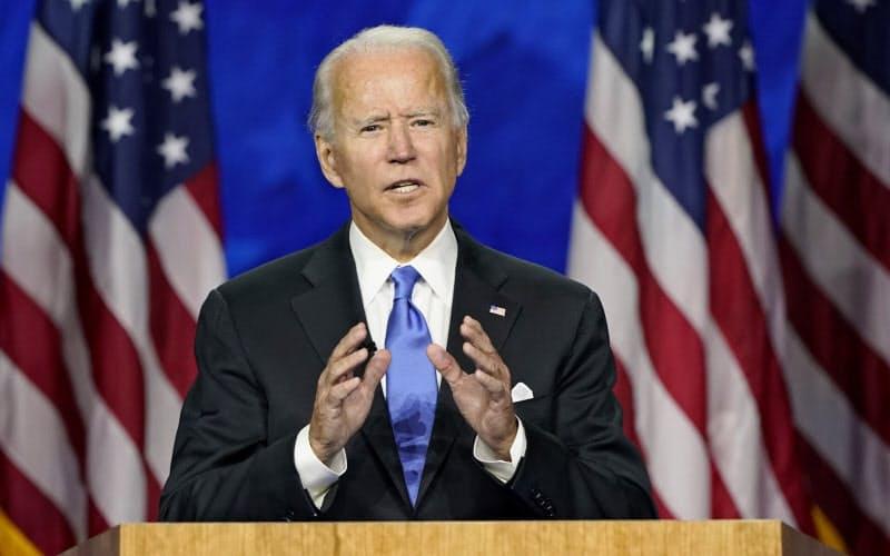 米民主党の党大会で指名受諾演説をするバイデン前副大統領(20日、米デラウェア州)=AP