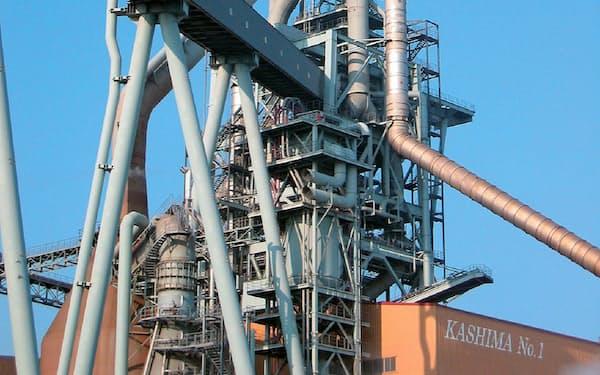 粗鋼生産は低水準で推移する(茨城県鹿嶋市の東日本製鉄所鹿島地区)