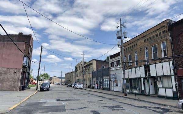 鉄鋼の町の中心部にある商店街はほぼ空き店舗だった(オハイオ州ジェファーソン郡)