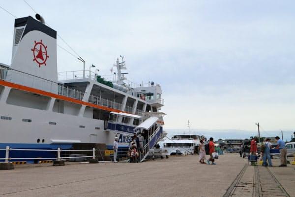 新潟県の粟島は7月、東京都以外の観光客の来島自粛を解除したものの、再び要請対象地域を拡大している