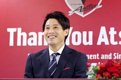 オンラインで現役引退の記者会見をするJ1鹿島の内田篤人(24日)=KASHIMA ANTLERS提供・共同