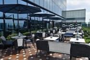 39階のレストランにはテラスも用意している