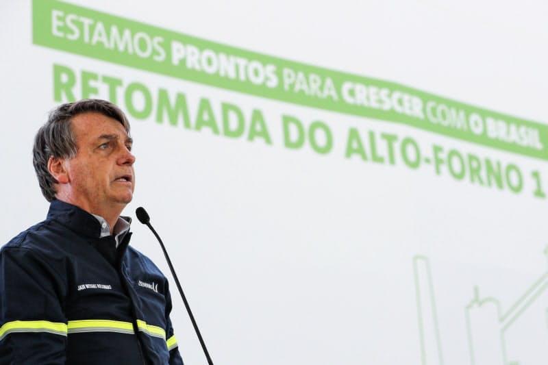 演説するブラジルのボルソナロ大統領(26日、ミナスジェライス州)