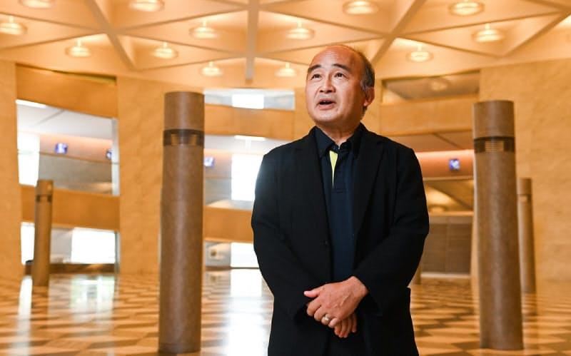 京響の常任指揮者と芸術顧問、京都コンサートホール館長を兼任する
