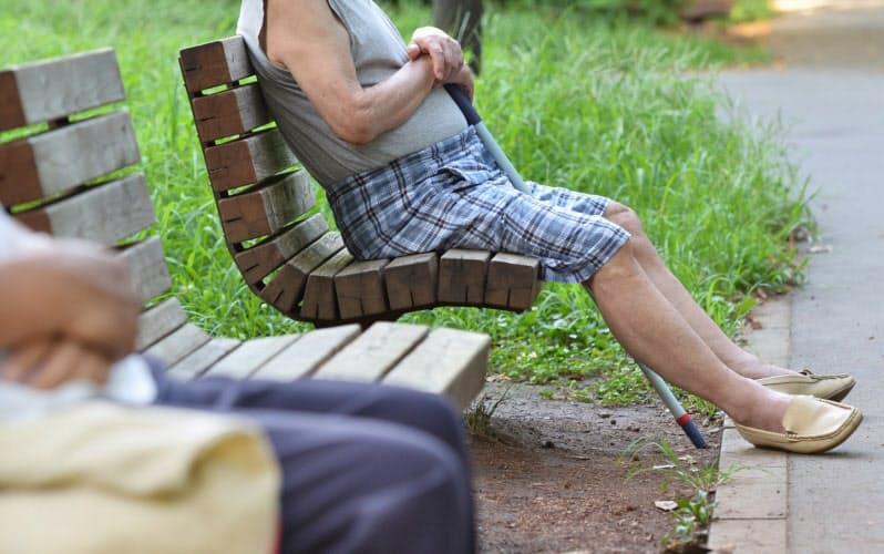 高齢の親の判断力が低下していないか家族は関心を持っておきたい