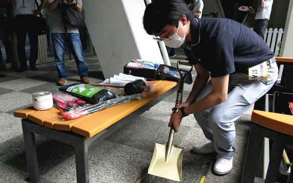 「NEXT21」では災害に備えた防災グッズを常備している(大阪市)