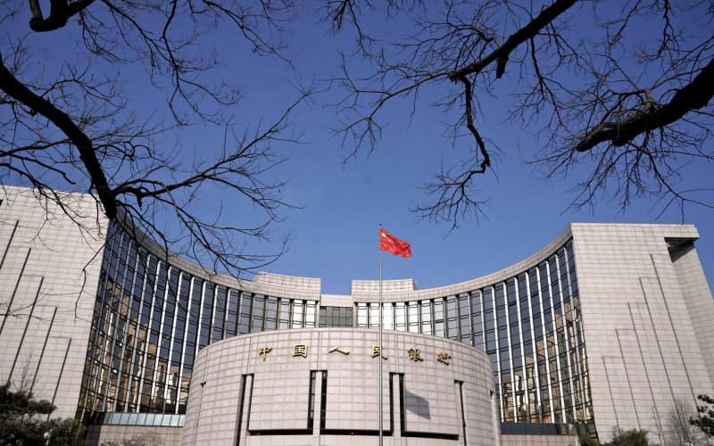 FRB、ECB、日銀がバランスシートを急拡大させる一方で、着実にバランスシートの縮小を進める中国人民銀行=ロイター