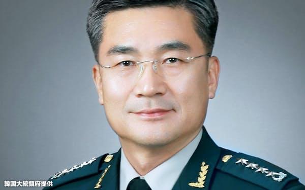 次期国防相に内定した韓国の徐旭・陸軍参謀総長=韓国大統領府提供