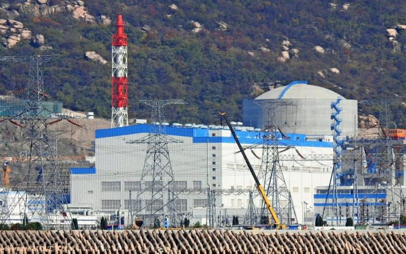 中国は内外で原発の建設を続ける(江蘇省の原発)=ロイター