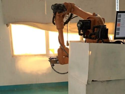 ロボットの操作はワンタッチで手軽に使えるようにして導入のハードルを下げた(●梅艾爾提供)