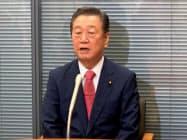 枝野氏支援の意向を表明する小沢一郎氏(1日、国会内)