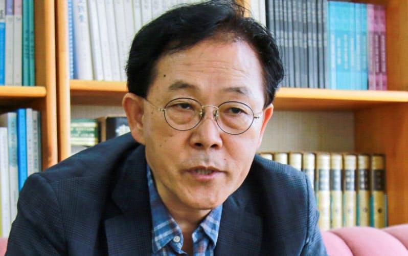 ヤン・ギホ 韓国大統領府の政策企画委員を務める日本専門家。59歳。