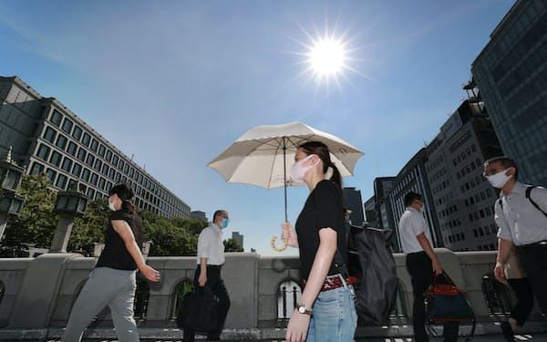 今夏は厳しい暑さが続いた(8月、大阪市)