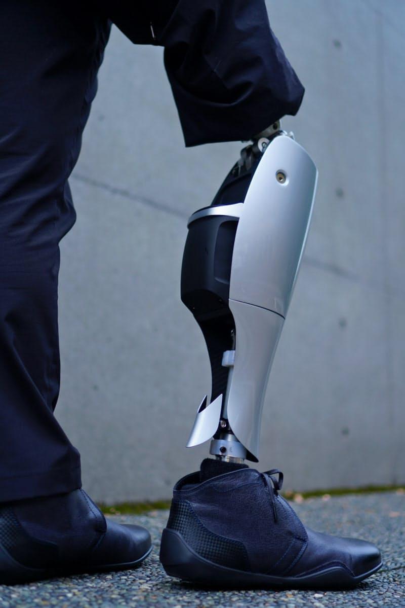 膝の動きをモーターを制御して助ける