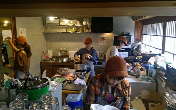 飲食・宿泊の起業意欲の後退が懸念される(日本公庫北陸創業支援センターの開業セミナーの様子)