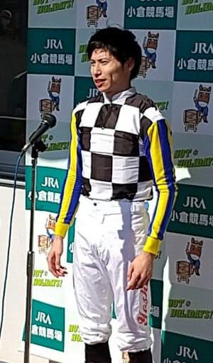 長岡は小倉記念で重賞初制覇を飾った(8月16日、北九州市の小倉競馬場)