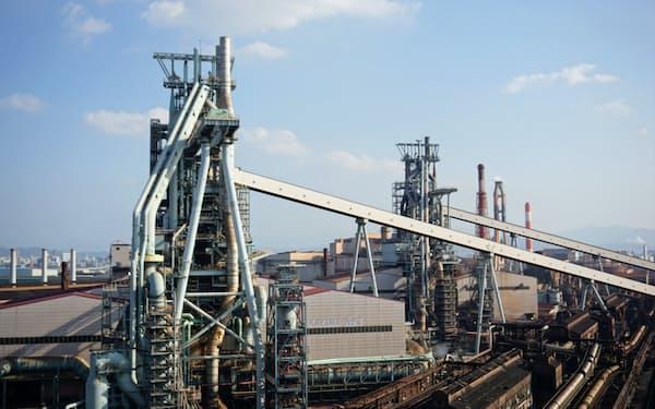 鋼材需要の減少などを受け、高炉1基の休止を決めた和歌山製鉄所(和歌山市)