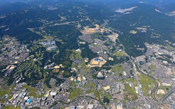 彩都は大阪府北部の茨木市と箕面市にまたがる