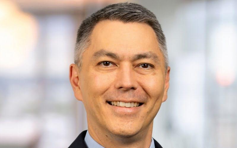 Mike Henry 三菱商事での勤務経験が長く、日本の企業にも精通している。53歳
