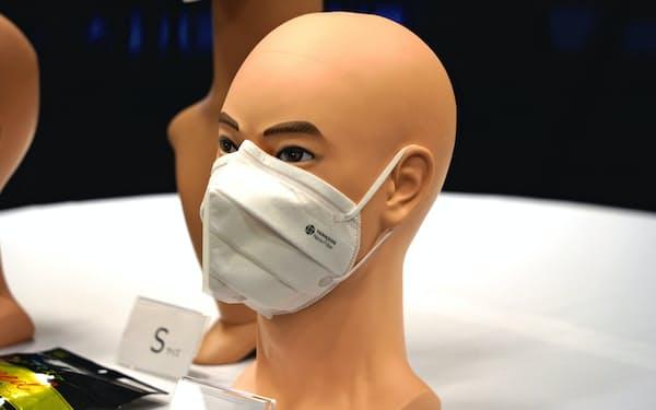 新たな高機能マスクはドラッグストア1万店での販売を目指す