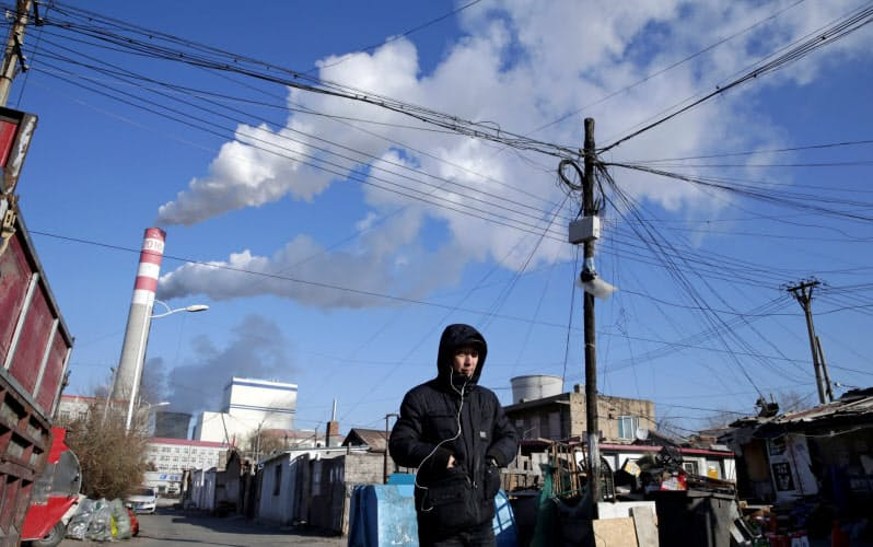 中国の石炭火力発電所(中国・黒竜江省)=ロイター