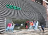 OPPOは中国の主要都市でスマホの販売店を増やす(広東省広州市)