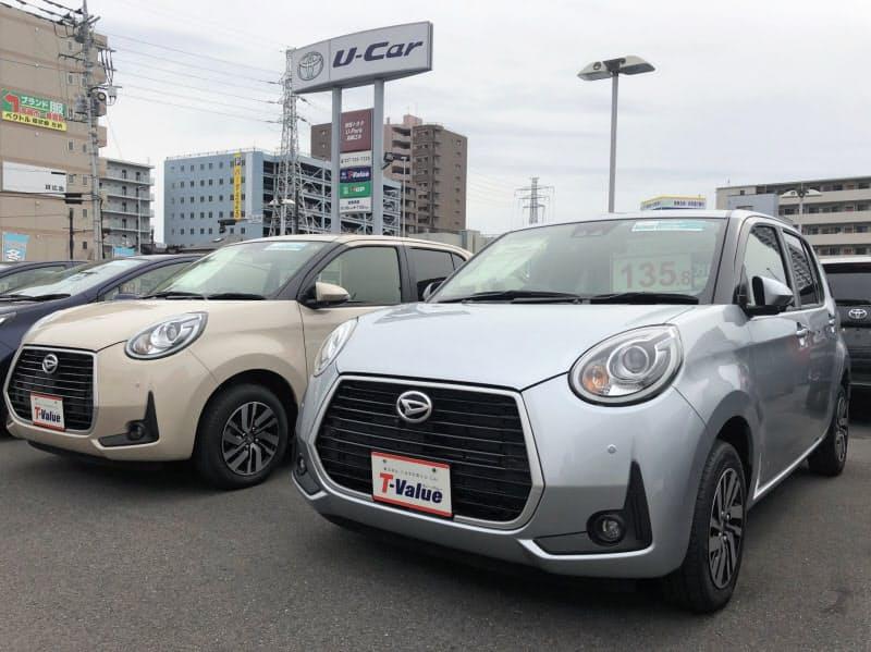 トヨタ自動車は中古車サイトを開設した(群馬県内にある中古車販売の店舗)
