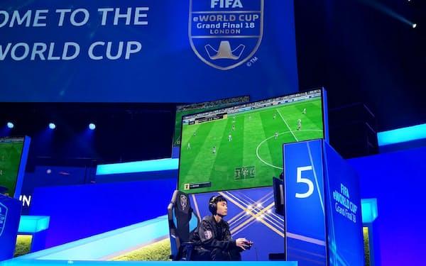 ナスリは2018年8月、「FIFA18」の世界一を決める「eワールドカップ」に出場した