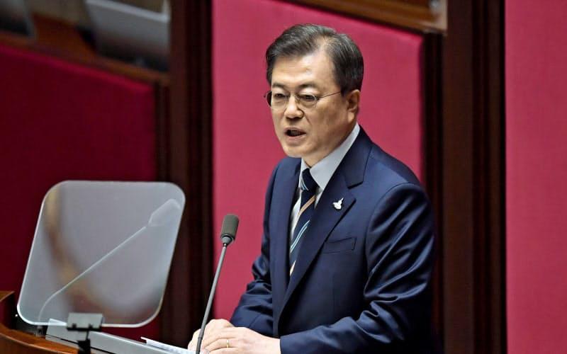 韓国政府は新型コロナウイルスで低迷する経済の底上げに懸命だ=ロイター