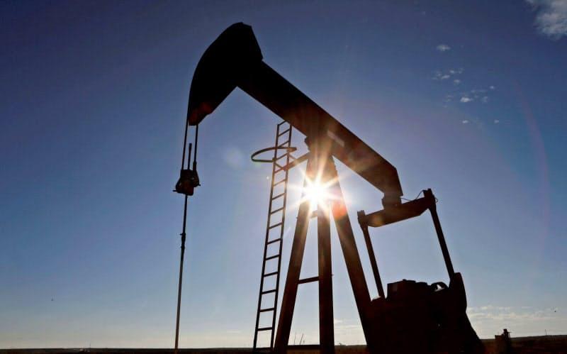 石油産業には逆風が吹いている=ロイター