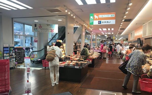店に入ってすぐの場所に弁当や総菜のコーナーを設けた(札幌市のマックスバリュ北店)