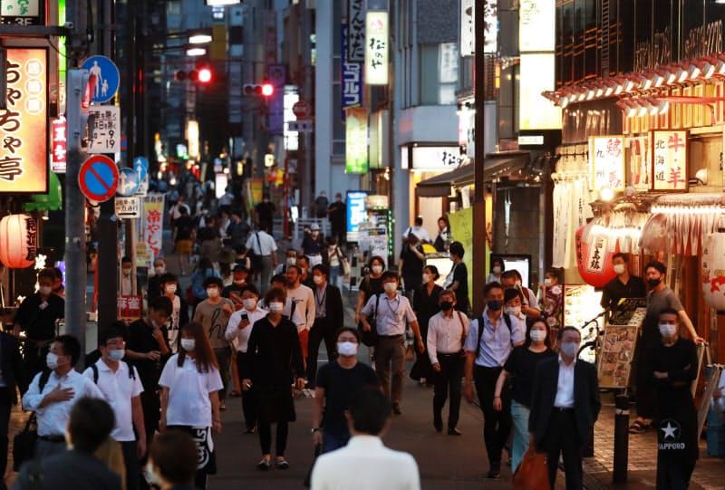東京都は飲食店などに求めていた営業時間短縮の要請を15日で終了する方針だ