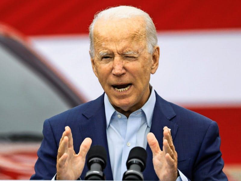 米民主党のバイデン氏は国内の製造業を強力に支援する考えを強調した(9日、中西部ミシガン州)=ロイター