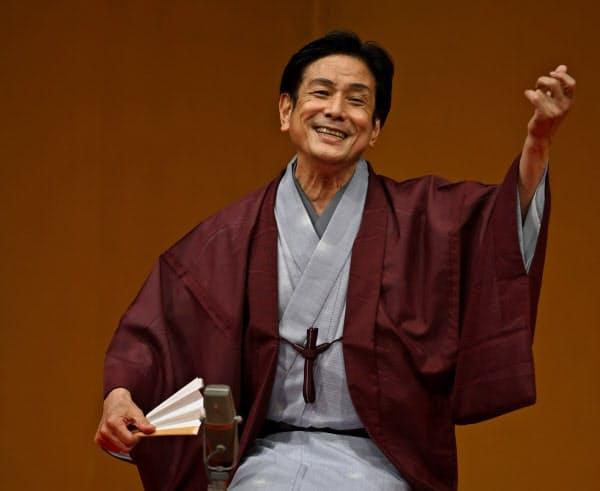 米団治は父・米朝も重なる「親子茶屋」を口演=佐々木芳郎撮影