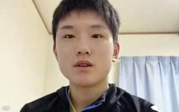 卓球Tリーグのオールスター戦を前に、オンラインで記者会見する張本智和(10日)=共同