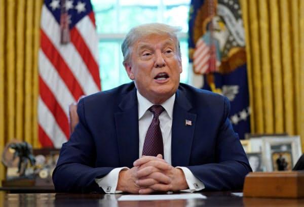イスラエルとバーレーンの国交正常化合意を発表するトランプ米大統領(11日、ホワイトハウス)=ロイター