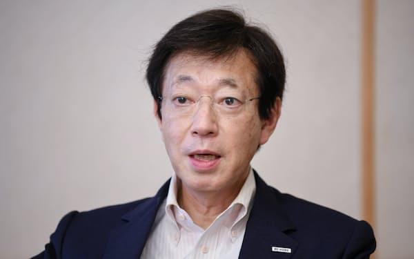 ひさもと・きぞう 1954年生まれ。神戸市出身。76年東大法卒、旧自治省(現・総務省)に入省。総務省官房審議官、選挙部長、自治行政局長などを経て2012年に神戸市副市長。13年に市長に初当選し、17年に再選した。