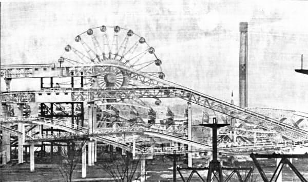 ジェットコースター「ダイダラザウルス」や観覧車なども人気を博した(1972年2月、大阪府吹田市)