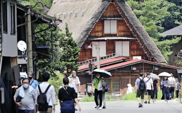 観光振興や景気回復を含めコロナ対策を求める声が多い(8月、岐阜県白川村)