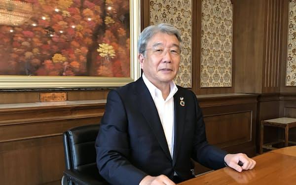新総裁への期待を話す愛媛県商工会議所連合会の大塚岩男会頭