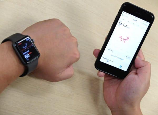アップルウオッチで心拍などのデータを計測、iPhoneを通じて医師と共有する