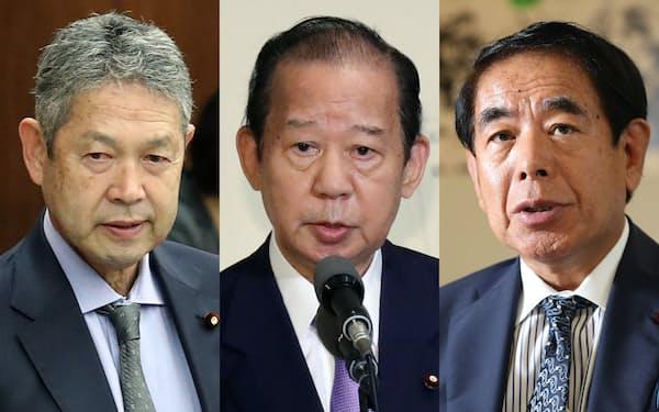 (写真左から)佐藤氏、二階氏、下村氏